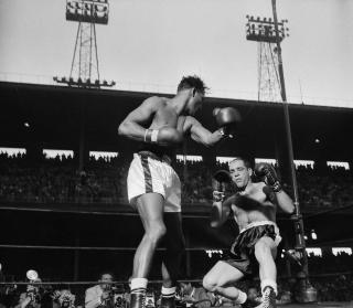 Sugar Ray Robinson vs Bobo Olson IV